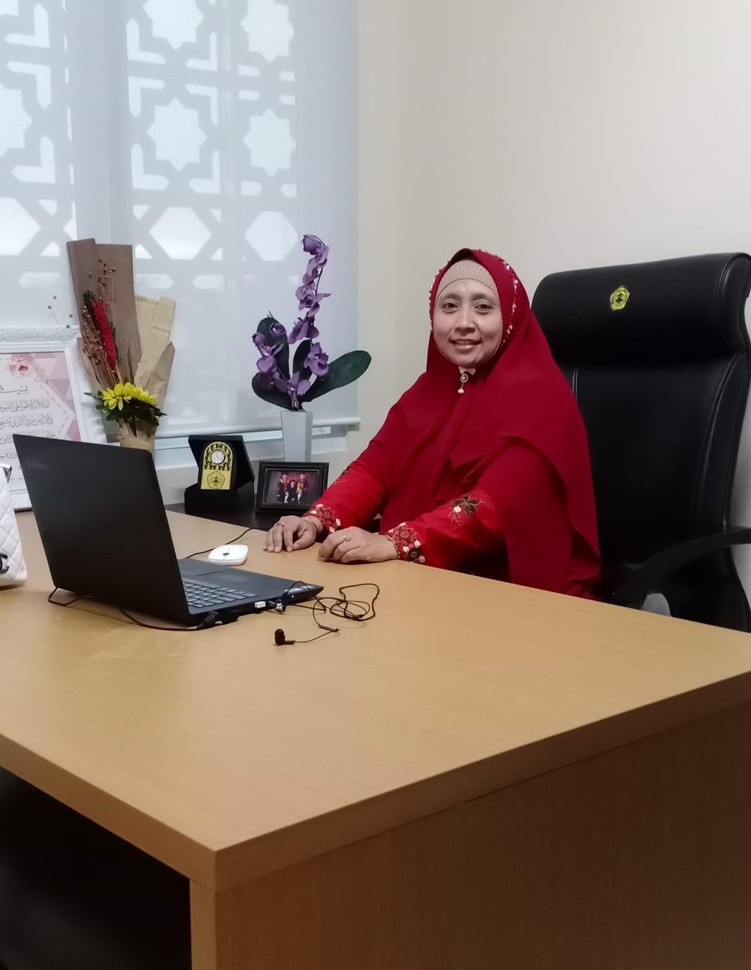 Hj. Lia Riesta Dewi, SH, MH